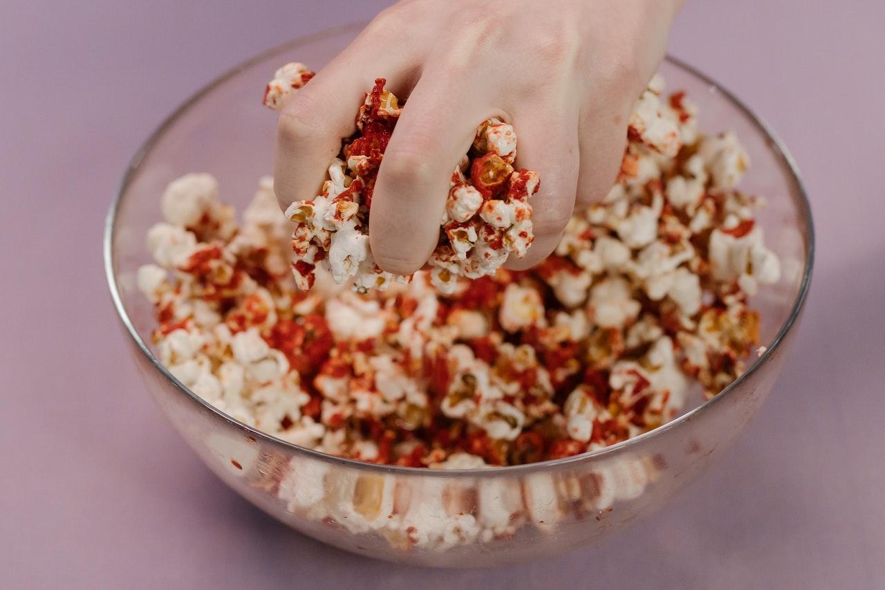 Flavoured and seasoned popcorn